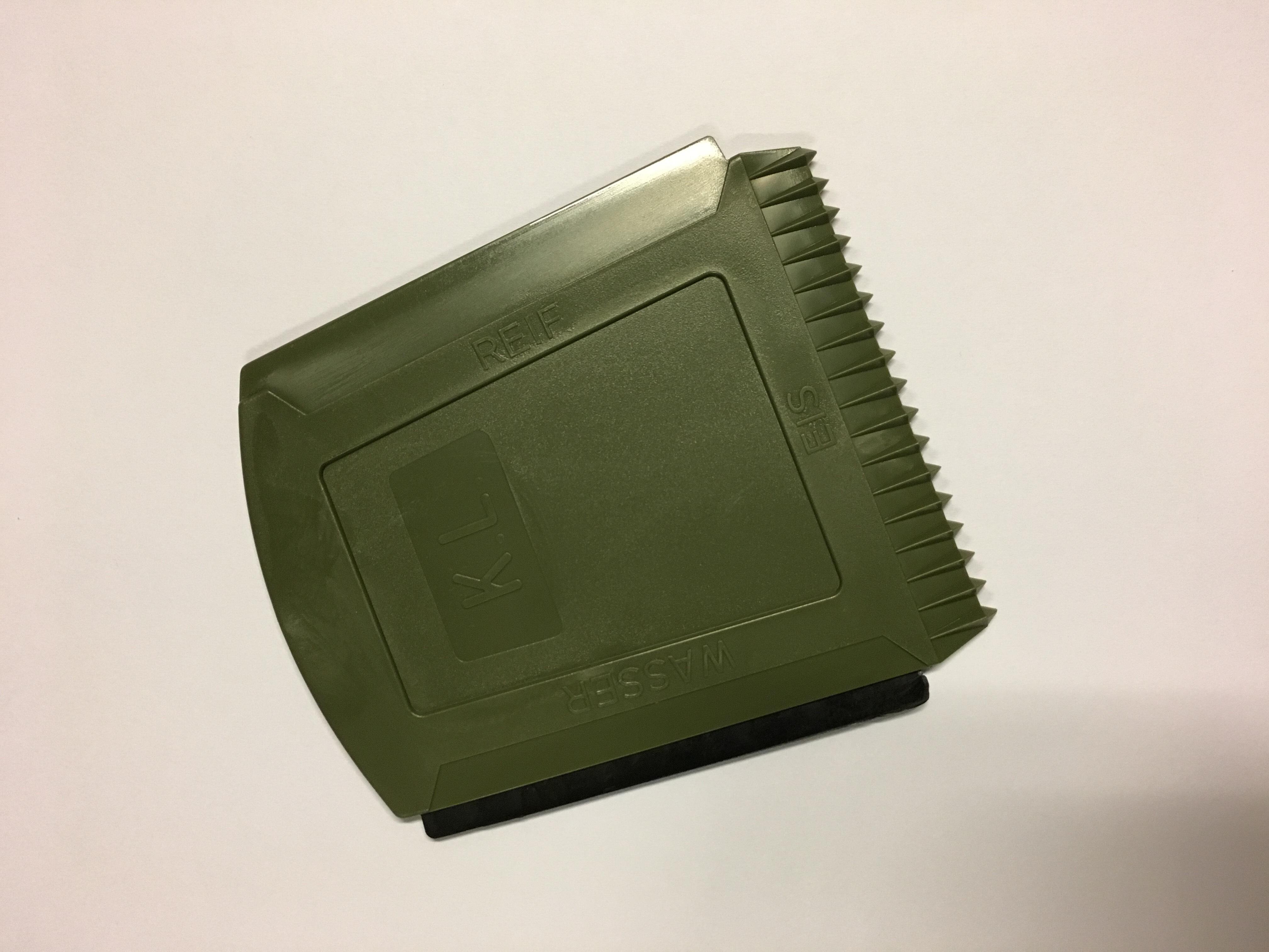 KL leger ijskrabber, origineel KL  3 voor € 10,00